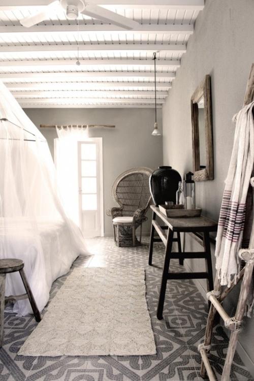 gray room 1